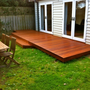 MITCHAM - Stepped Merbau deck